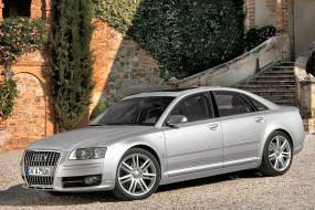Audi S8 (2006 - 2010) used car review