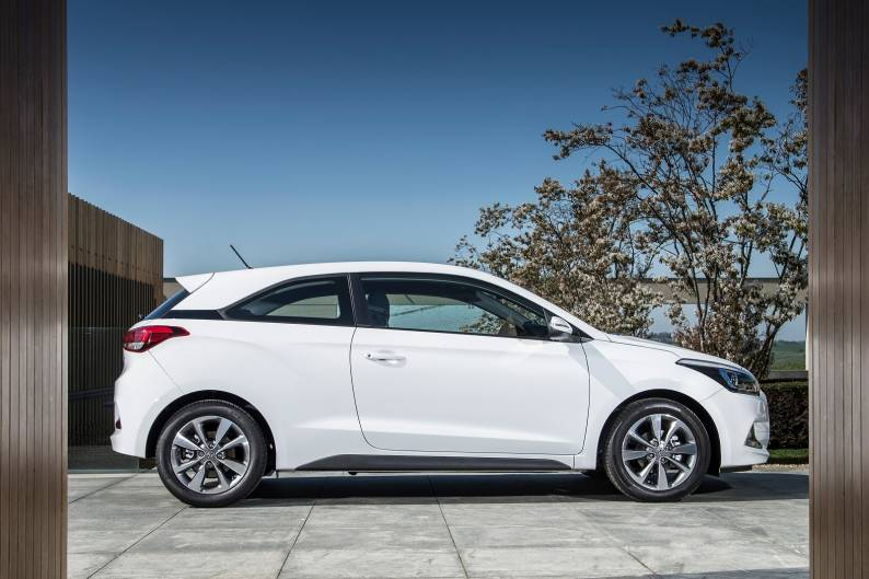 hyundai i20 coupe review review car review rac drive. Black Bedroom Furniture Sets. Home Design Ideas