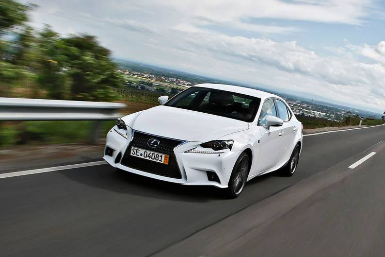 Lexus IS 300h Executive Edition review