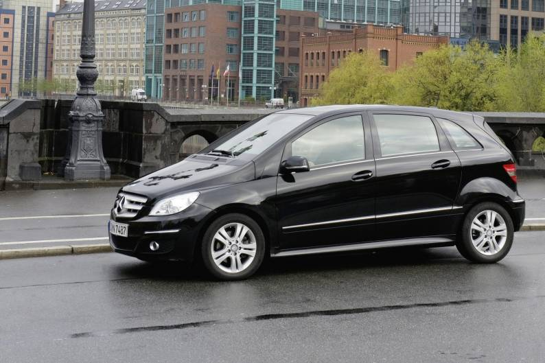 Mercedes benz b class 2005 2011 used car review car for Mercedes benz b class 2005