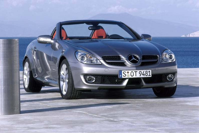 Mercedes benz slk class 2004 2011 used car review for Mercedes benz slk350 review