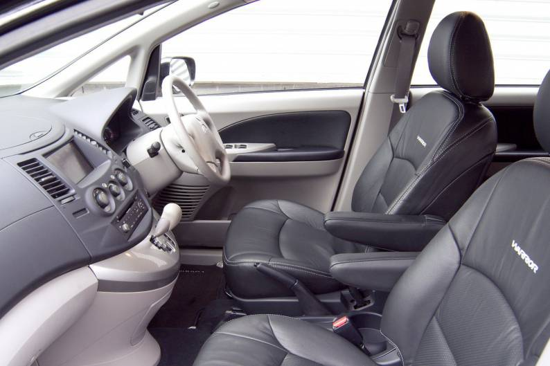 Mitsubishi Grandis (2004 - 2009) review