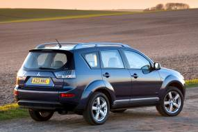 Mitsubishi Outlander (2007 - 2010) used car review
