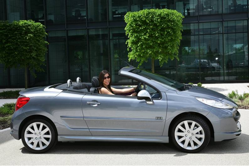 peugeot 207 cc 2007 2010 used car review car review rac drive. Black Bedroom Furniture Sets. Home Design Ideas