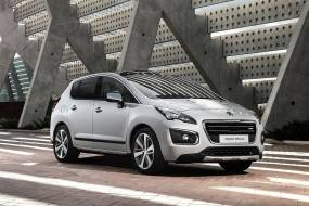Peugeot 3008 Crossover HYbrid4 review