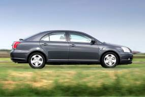 Toyota Avensis (2003 - 2009) review