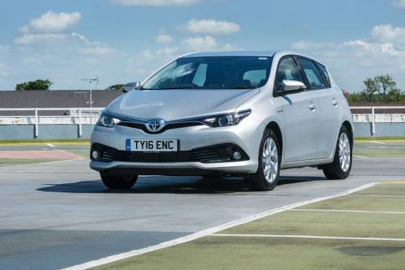 Toyota Auris 1.8 VVT-i Hybrid review