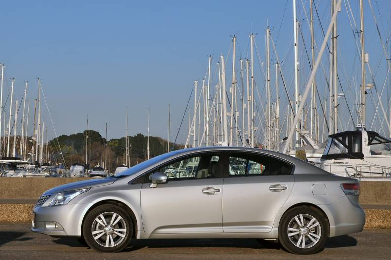 Toyota Avensis (2009 - 2011) review