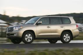Toyota Land Cruiser V8 (2008 - 2011) review