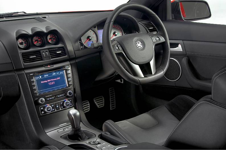 Vauxhall VXR8 (2007 - date) review