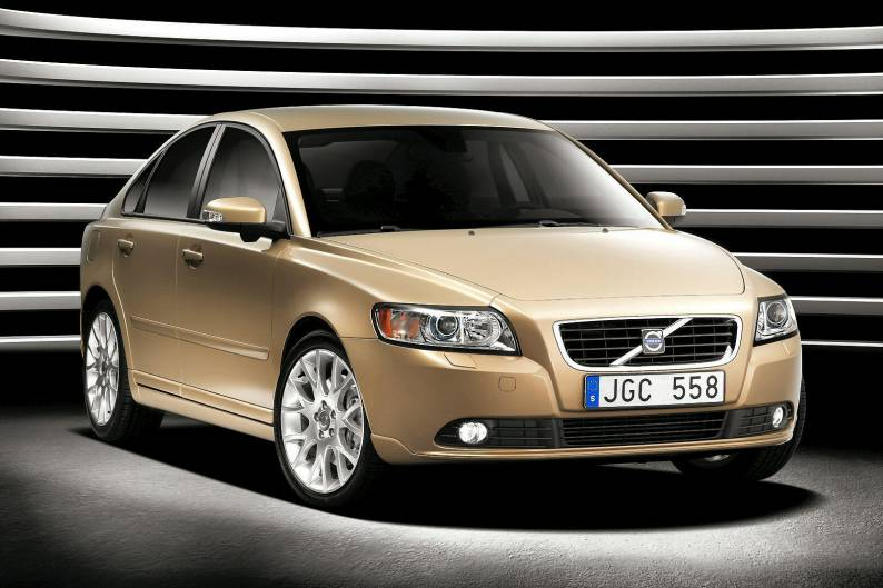 Volvo S40 (2004 - date) review