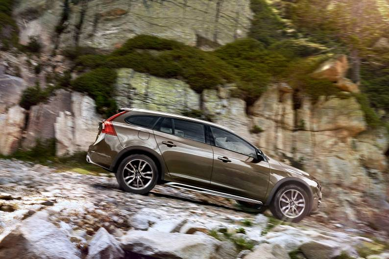 Volvo V60 Cross Country review