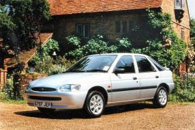 Ford Escort 1.6/1.8TDI Flight & Finesse (1999 - 2000) review
