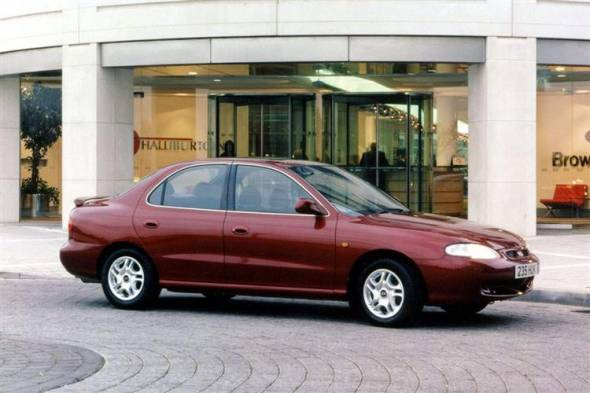 Hyundai Lantra (1991 - 2000) used car review