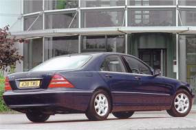 Mercedes-Benz S-Class Saloon (1999 - 2006) review