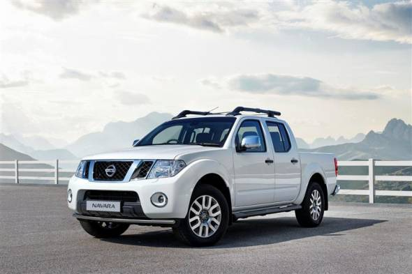 Nissan Navara pick-up (2010 - 2015) review