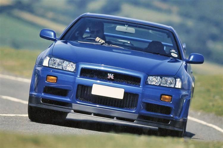nissan skyline gt r r33 1997 1999 used car review. Black Bedroom Furniture Sets. Home Design Ideas