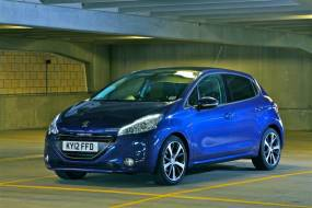 Peugeot 208 (2012 - 2015) review