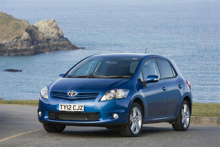 Toyota Auris (2010 - 2013) used car review