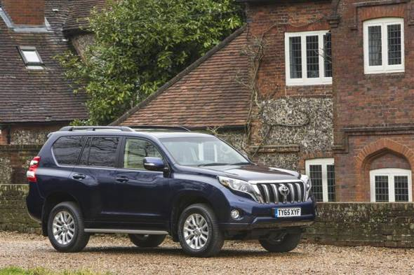Toyota Land Cruiser V8 (2012 - 2015) review