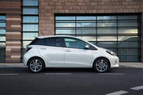 Toyota Yaris Hybrid (2012 - 2014) review
