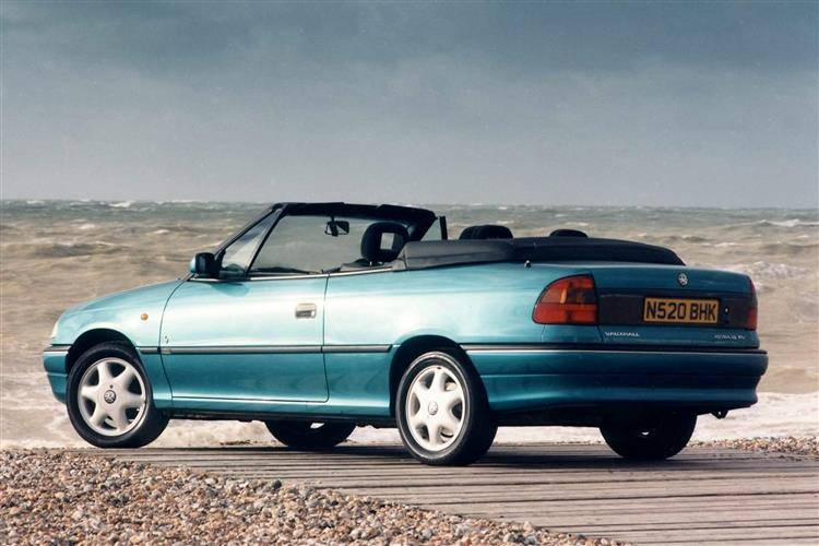 Vauxhall Astra Convertible (1993 - 1999) review