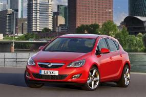 Vauxhall Astra (2010 - 2012) review
