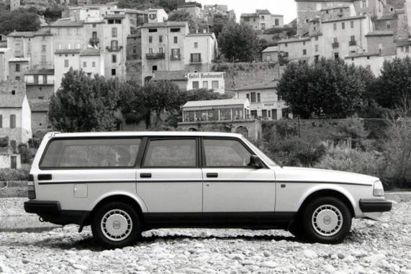 Volvo 240 (1983 - 1993) review