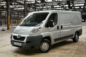Peugeot Boxer (2006 - 2014) review