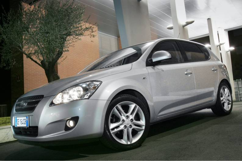 Kia cee'd (2007 - 2009) used car review