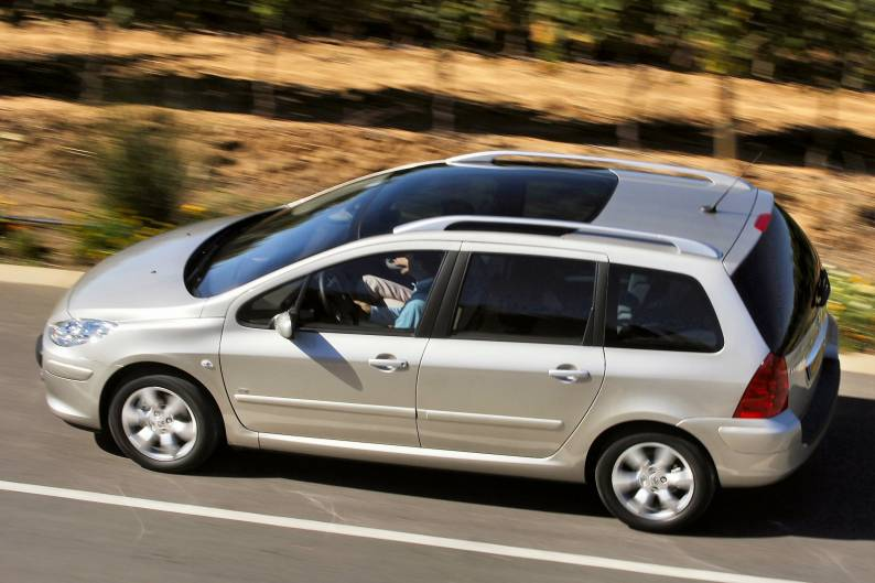 peugeot 307 sw 2002 2008 used car review car review. Black Bedroom Furniture Sets. Home Design Ideas