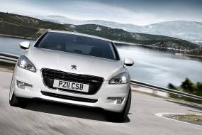 Peugeot 508 HYbrid4 saloon review