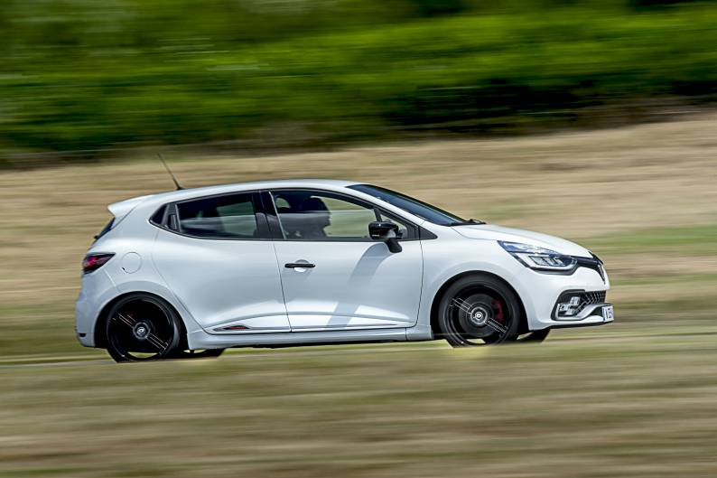 Renault Clio Renaultsport 220 Trophy review