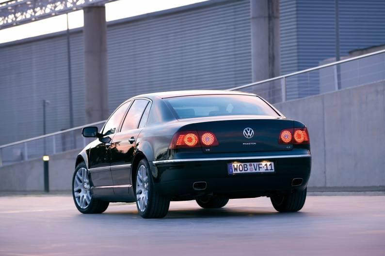 Volkswagen Phaeton (2003 - 2010) used car review