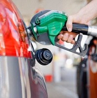 Supermarkets deliver fuel price cut