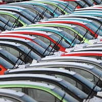 New car sales 'highest since 2004'