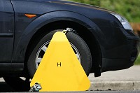 Council to issue Asbos for clamping