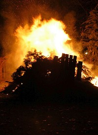 Bonfire night 'worst for car theft'