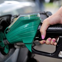 Supermarkets gift drivers fuel price cut