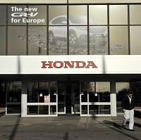 Honda to cut production in Swindon