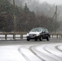 Drivers urged to use winter tyres