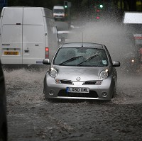 Road chaos alert as Gonzalo hits UK