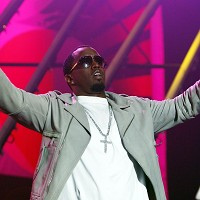 Sean Combs hurt in car accident
