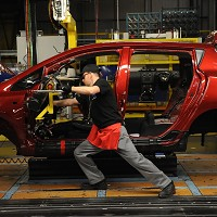 UK's car industry top for productivity