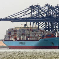 Ports 'held back by bottlenecks'