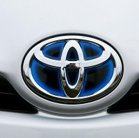 Toyota plans new hybrid vehicles