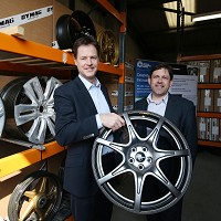 Lib Dems pledge green car bestseller prize
