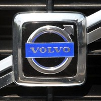 Volvo extends car tech partnership