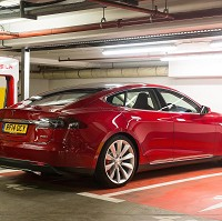 Tesla expands network in Britain