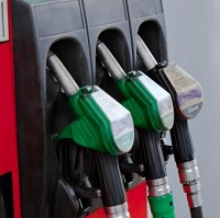 Fuel duty cut 'would create jobs'